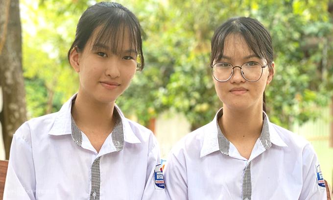 Mổ tách hai bé gái song sinh dính liền nhau IMG-5177-copy-9722-1595307340