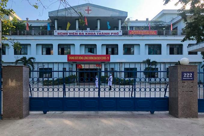 Các bệnh viện Hà Nội siết chặt quy trình khám bệnh