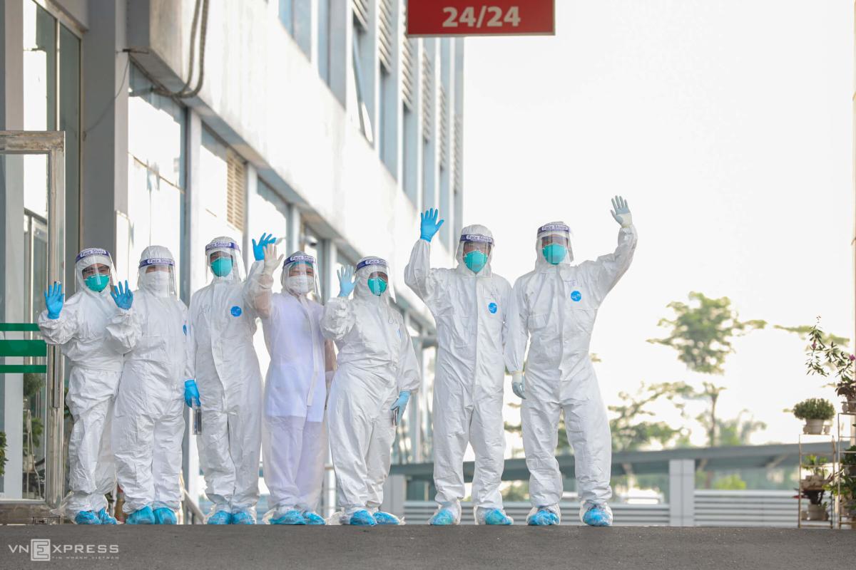 219 người từ Guinea Xích đạo về bệnh viện ở Hà Nội