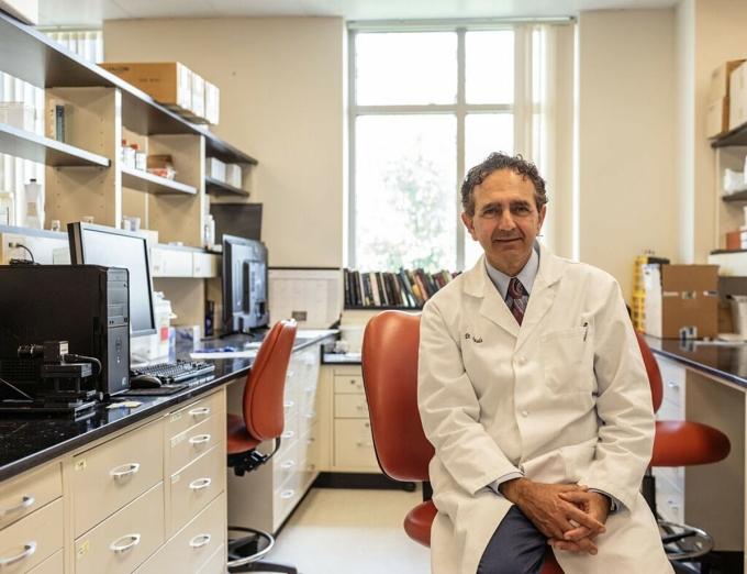 Tiến sĩ Anthony Atala, giám đốc của Viện Y học Tái sinh Wake Forest. Ảnh: NY Times