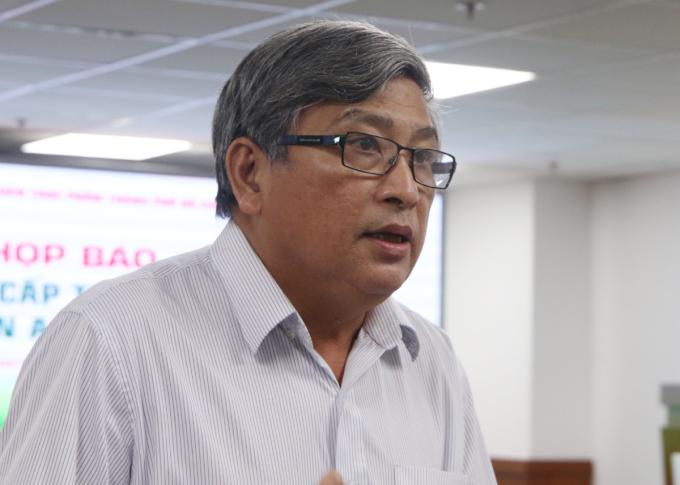 Bác sĩ Nguyễn Văn Hảo, Trưởng khoa Hồi sức cấp cứu chống độc - người lớn, Bệnh viện Bệnh Nhiệt đới, TP HCM. Ảnh: Thư Anh.