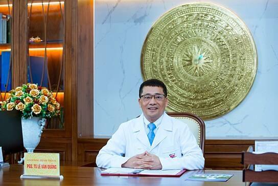 Phó Giáo sư, Tiến sĩ Lê Văn Quảng - Giám đốc Bệnh viện K.