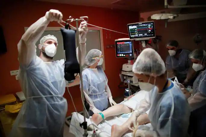 Tình thế chọn lựa sinh tử bệnh nhân Covid-19 châu Âu
