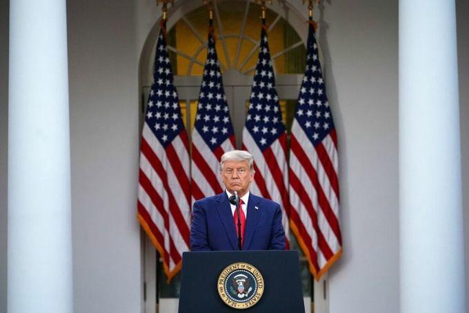 Tổng thống Donald Trump phát biểu về chiến dịch Thần tốc tại Vường Hồng Nhà Trắng, ngày 13/11. Ảnh: AFP