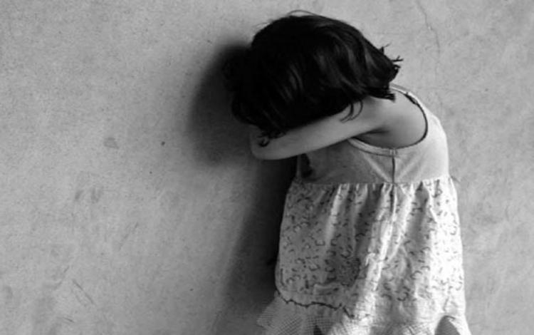 Bé gái 3 tuổi chấn thương sọ não nghi bị bạo hành