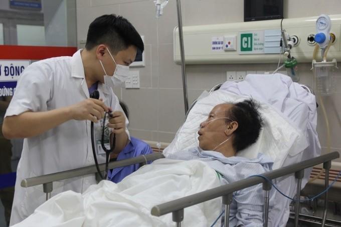Người huyết áp cao có nguy cơ đột quỵ cao. Ảnh: Bệnh viện Bạch Mai.