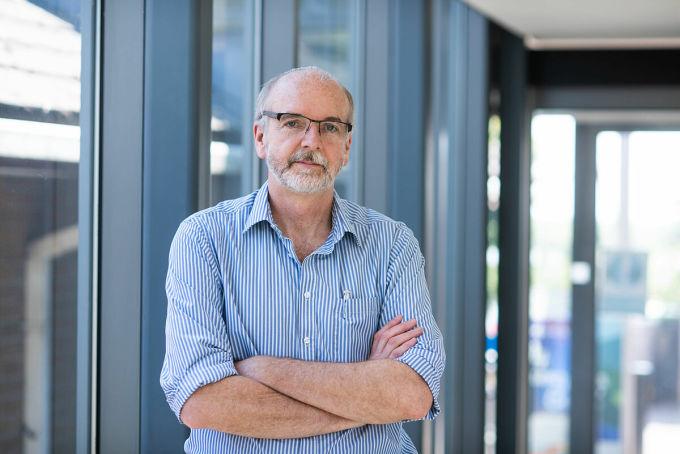 Giáo sư Andrew Pollard, giám đốc Tổ chức Vaccine Oxford, đơn vị điều hành các thử nghiệm lâm sàng. Ảnh: BBC