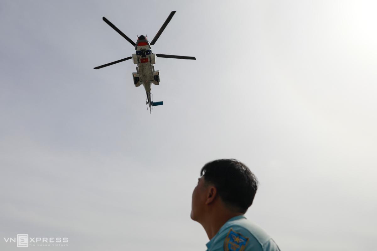 Trực thăng cấp cứu đáp xuống nóc bệnh viện