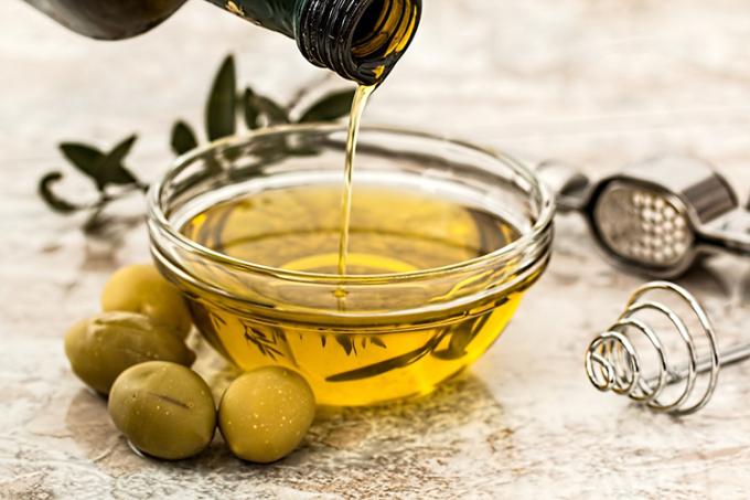 Dầu ô liu là thành phần quan trọng trong chế độ ăn Địa Trung Hải. Ảnh:Medical Xpress.