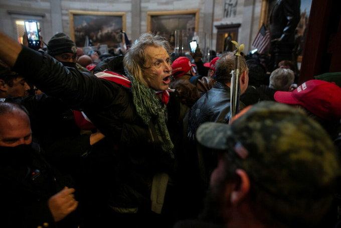 Người biểu tình ủng hộ Trump tại Điện Capitol, ngày 7/1. Ảnh: Reuters