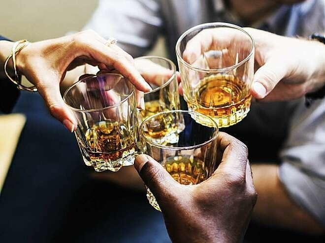 Uống rượu có làm ấm cơ thể?