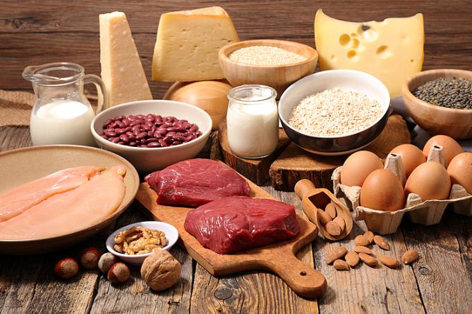 Thịt, cá, trứng, sữa... là những thực phẩm giàu protein. Ảnh: Giustopeso