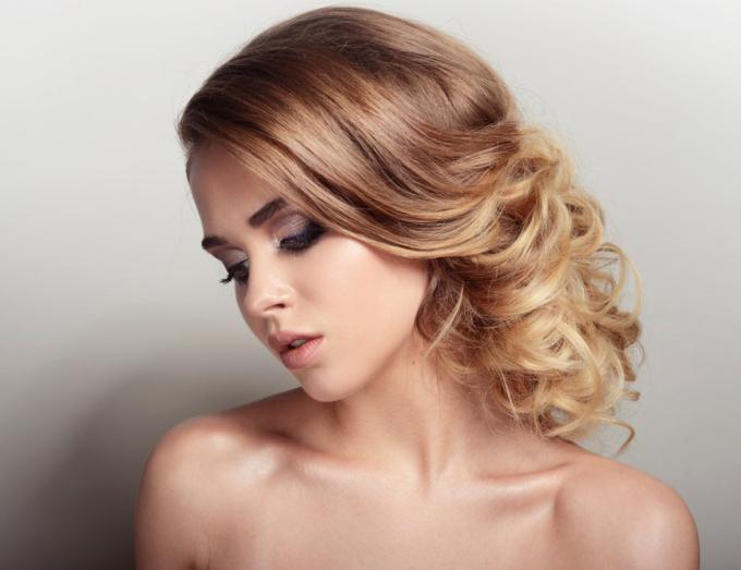 Các chị em theo đuổi phong cách nhẹ nhàng có thể chọn màu nâu tây. Nguồn: Shutterstock.