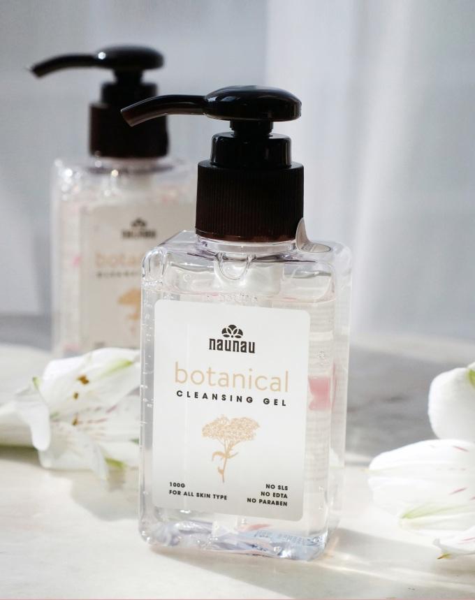 Gel rửa mặt Botanical Cleansing Gel lọt top bán chạy trên Shop VnExpress.