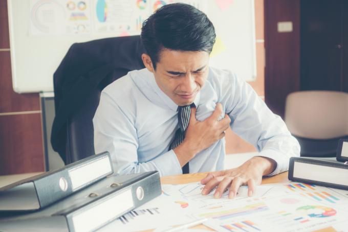 Bệnh tim mạch ngày càng trẻ hóa, có thể gặp ở độ tuổi 25-40. Ảnh: Shutterstock.