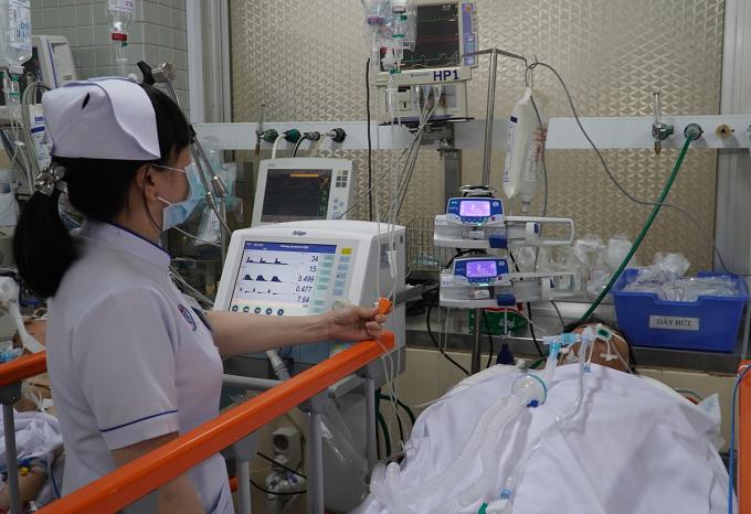 Bệnh nhân được theo dõi sát sau mổ, ngày 12/4. Ảnh do bệnh viện cung cấp.