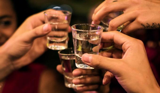 Rượu bia là thức uống không có lợi cho sức khỏe. Chúng là nguyên nhân trực tiếp gây nên hơn 30 bệnh lây nhiễm và 200 bệnh tật khác. Ảnh: Henryford.