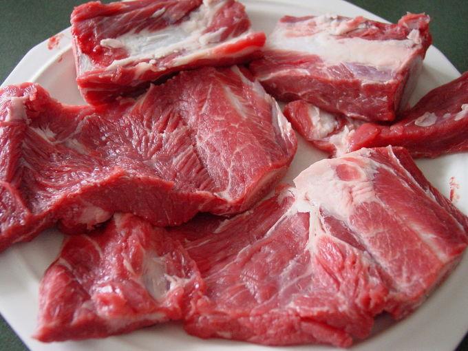 Ăn 50g thịt sẽ cung cấp cho cơ thể 10g protein. Ảnh: