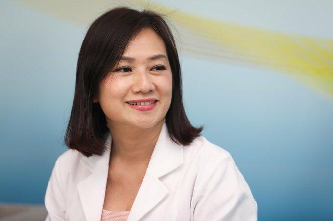Bác sĩ Đào Thị Yến Thuỷ khuyên các mẹ nên bổ sung các loại lợi khuẩn nhằm bù đắp thiệt thòi cho trẻ sinh mổ.
