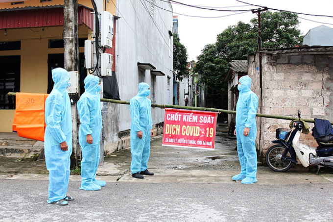 Chốt kiểm soát ở xã Đạo Lý, huyện Lý Nhân, tỉnh Hà Nam, nơi ghi nhận ca bệnh 2899. Ảnh: CAHN