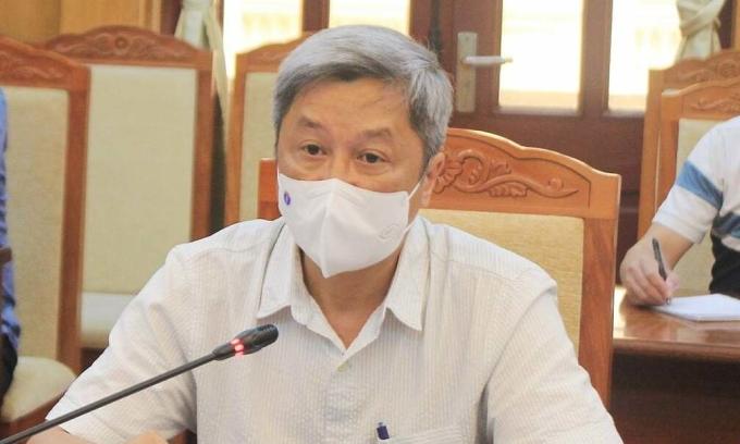 Thứ trưởng Sơn làm việc với lãnh đạo Bắc Giang, ngày 17/5. Ảnh: Bộ Y tế.