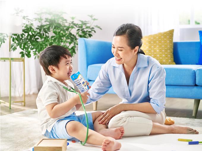 Hợp sữa là tiêu chí quan trọng nhất khi chọn sữa cho trẻ. Ảnh minh họa: XIN TÊN NGƯỜI CHỤP