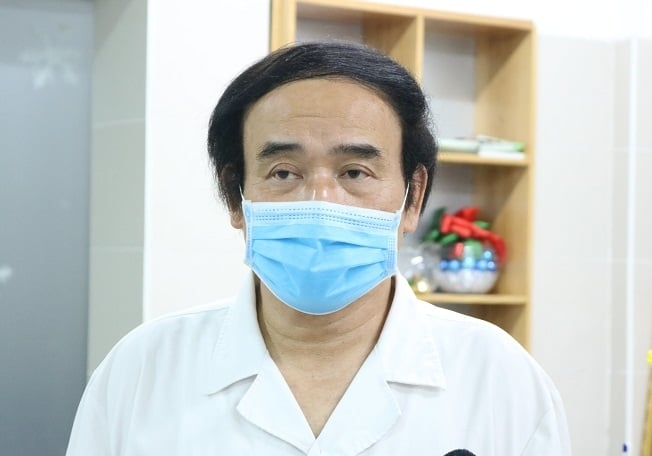 Phó giáo sư Nguyễn Văn Chi, Phụ trách Trung tâm Cấp cứu A9, Bệnh viện Bạch Mai. Ảnh: Thế Anh.