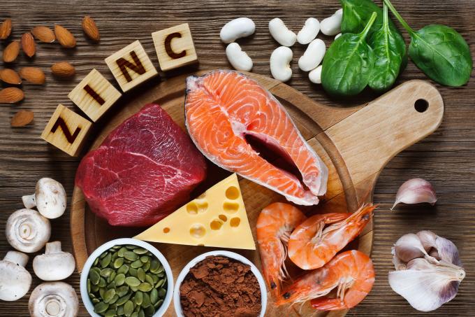 Thịt, cá, trứng, tôm chứa nhiều kẽm có giá trị sinh học cao. Ảnh: WP.