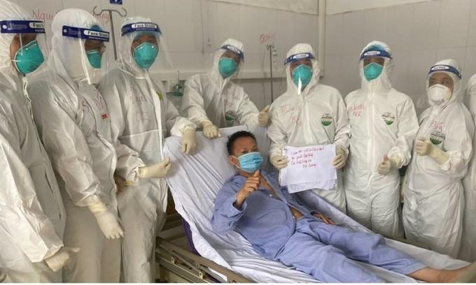 Bệnh nhân Covid-19 34 tuổi nặng được cứu sống. Ảnh: Ngọc Mai.