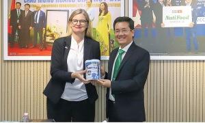 Món quà dinh dưỡng cho người Việt từ Nutifood Sweden