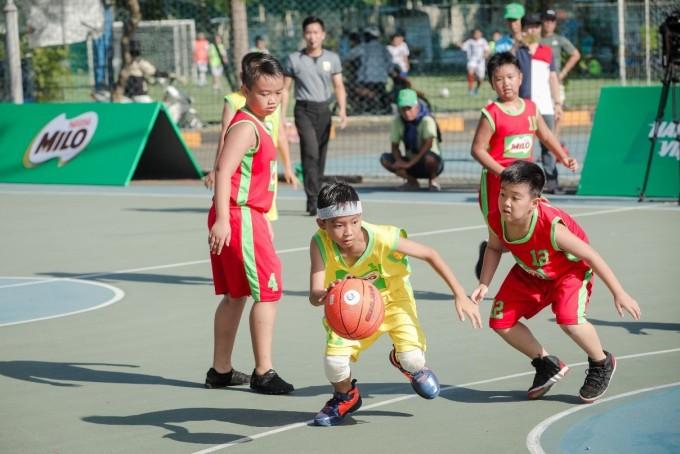 Trong 10 năm phát triển vàng, trẻ cần được bổ sung đầy đủ năng lượng và dinh dưỡng kết hợp với các hoạt động thể lực đều đặn