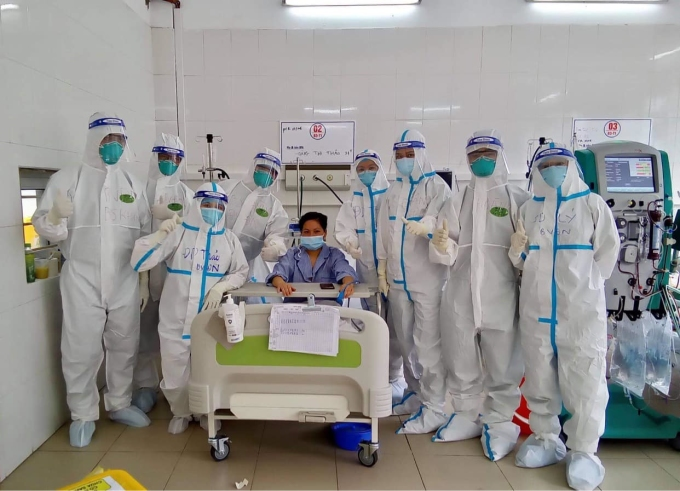 Bệnh nhân thở máy đầu tiên tại Bệnh viện Tâm thần Bắc Giang đã cai máy thở, rút ống nội khí quản thành công. Ảnh: Ngọc Mai.