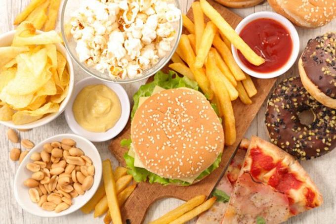 Thức ăn nhanh chỉ là một nguyên nhân gây béo phì, thừa cân. XIN NGUỒN