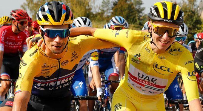 Tadej Pogacar (phải) - nhà vô địch giải đua xe đạp danh giá Tour de France năm 2020. Ảnh:AFP