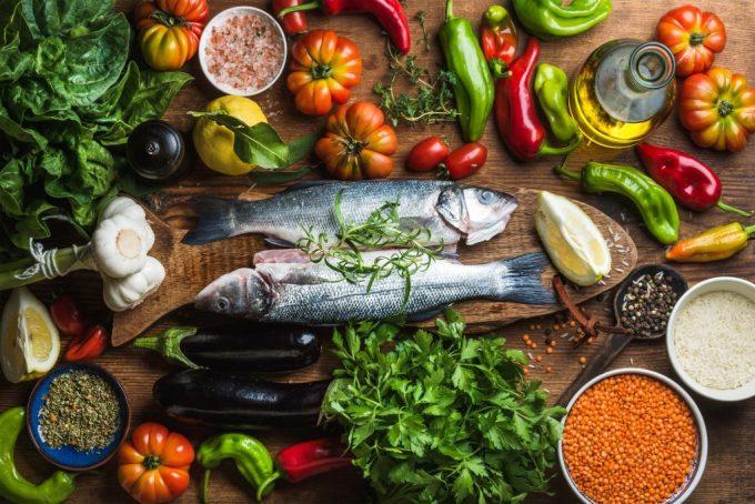 Không cấp đông lại thực phẩm đã rã đông tránh nhiễm khuẩn. Ảnh: Cuisinewithme
