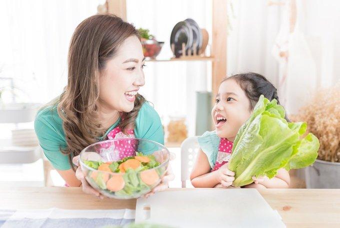 [Caption]Cung cấp đầy đủ chất xơ giúp trẻ xây dựng hệ đường ruột khỏe mạnh (Nguồn: Shutterstock)
