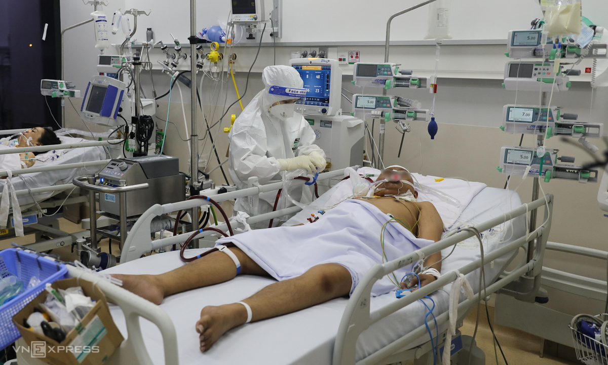 Tại sao Việt Nam chưa dùng huyết tương trị Covid-19?