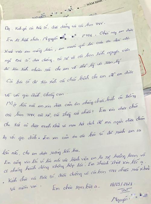 Bức thư cảm ơn và xin lỗi nữ bệnh nhân gửi các bác sĩ, điều dưỡng, tình nguyện viên tại Bệnh viện Hồi sức Covid-19 trước khi chị xuất viện. Ảnh: Bệnh viện Chợ Rẫy