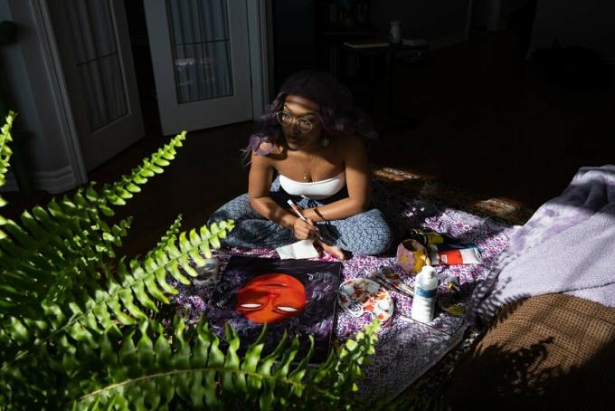 Nevandria Page, 25 tuổi, mắc chứng rối loạn âu lo trong và sau đại dịch. Ảnh: NY Times