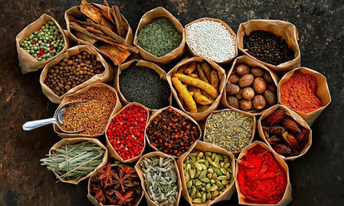 Một số loại thảo dược dùng trong bài thuốc Đông y. Ảnh: The Thaiger