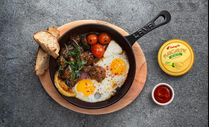 Bơ thực vật có vị béo thơm, giúp bữa ăn của gia đình Việt đậm đà hơn.